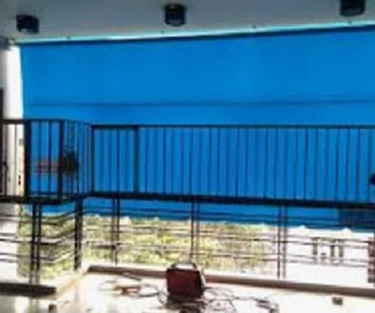 Bạt che nắng mưa ban công màu xanh